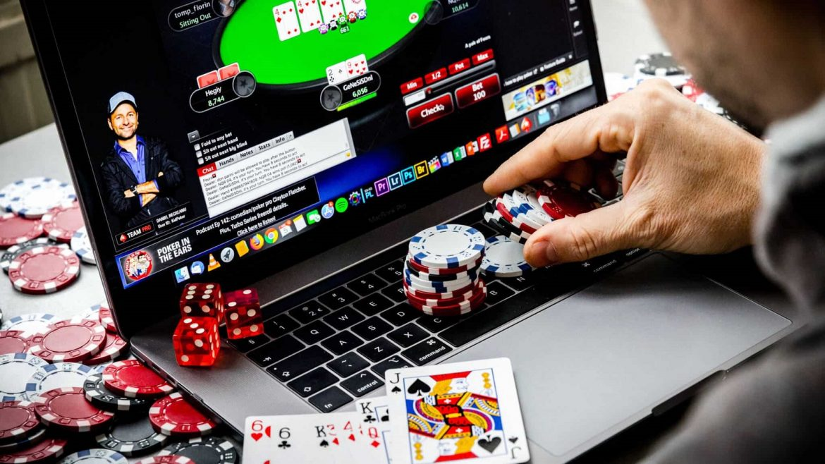 The New Fuss About Poker Tips